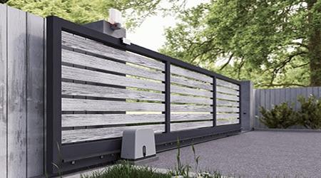 portail-electrique-rail-bois-acier