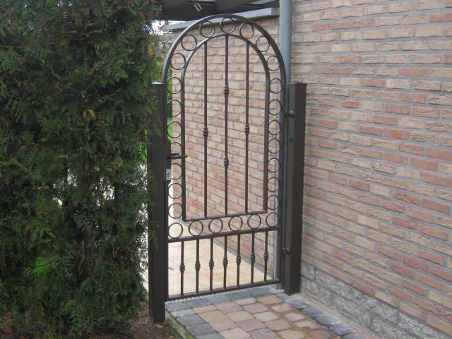 portail-jardin-fer-forgé